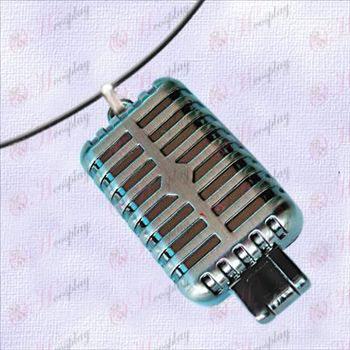 Hatsune - Microphone Necklace